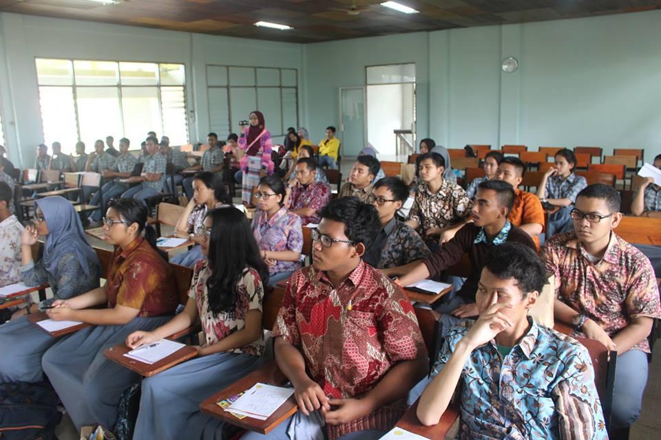 peserta seminar motivasi UN 2016