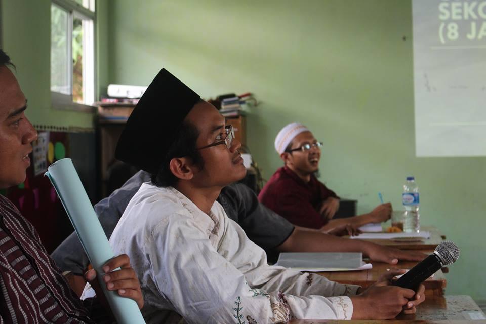 Diskusi Guru Lontong Basi 5