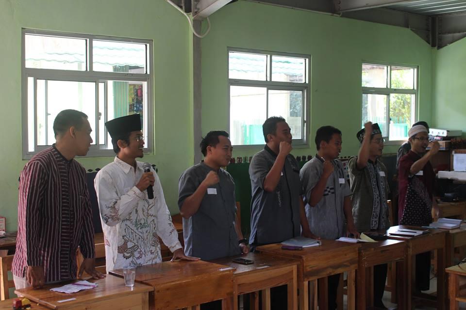 Guru Pesantren Tahfidz Ruhul Jadid Tanggerang Banten