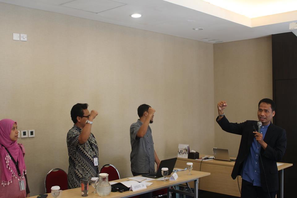 Training Public Speaking Untuk Dosen