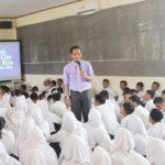 Training Siswa dan Guru SMP Negeri 65 Jakarta