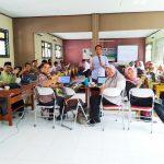 Workshop Pemanfaatan Teknologi dan Internet Bagi Guru SMA Negeri 2 Cikarang Pusat Bersama Namin AB Ibnu Solihin