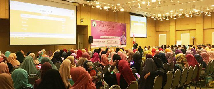 Seminar Parenting Mendidik Anak Dengan Gadget Bagi Orang Tua Murid PG TK dan MI Tawakkal Kota Denpasar Bersama Namin AB Ibnu Solihin