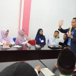 Melihat Kecerian Training Guru Kreatif Di Era 4.0 Bagi Guru SIT Mutiara Cendekia Bersama Namin AB Ibnu Solihin