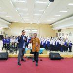 Training Public Speaking Untuk Siswa SMK Negeri 8 Jakarta Bersama Namin AB Ibnu Solihin