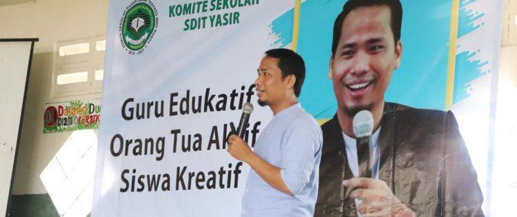 """Seminar Parenting """"Guru Edukatif,Orang Tua Aktif,Siswa Kreatif"""" SDIT Yasir Bersama Namin AB Ibnu Solihin"""