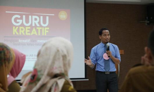 Pembicara Seminar Pendidikan di Indonesia